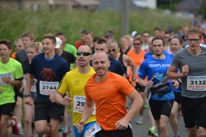 """Simon Wattiez (en orange) a l'air """"facile"""", pourtant il va vite - crédit photo : L'Avenir"""