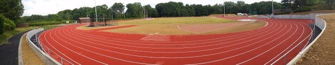 La piste d'athlétisme de Blocry rénovée