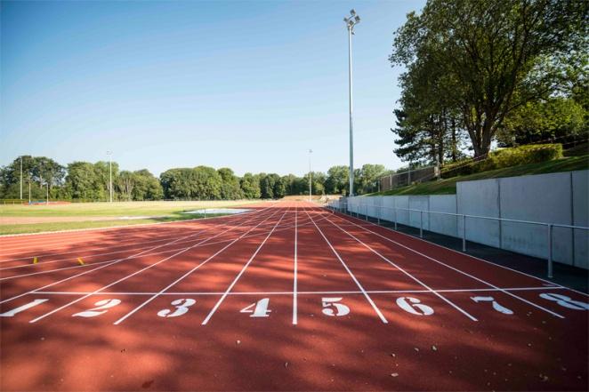 La piste d'athlétisme - crédit photo: Kevin Weber - UCL Service des sports