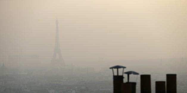 Paris sous le smog - crédit photo : AFP / Patrick Kovarik